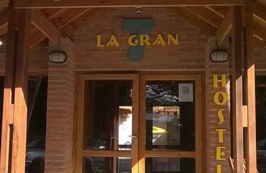 Hostel La Gran 7 en Villa Gesell Buenos Aires Argentina